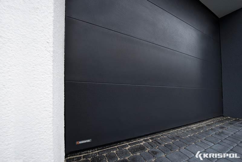Термоизолирана секционна врата Криспол