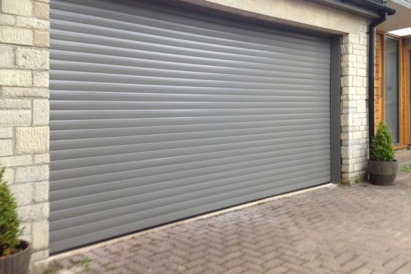 Стоманена или алуминиева ролетна врата?